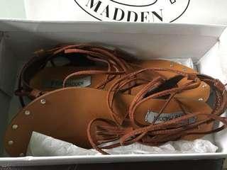 Steve Madden cognac suede tie up sandals size 9
