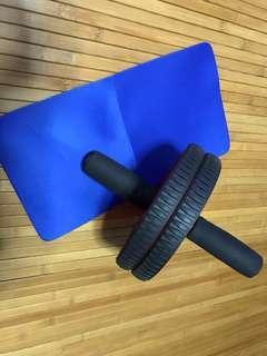 🚚 Core trainer wheel with mini mat