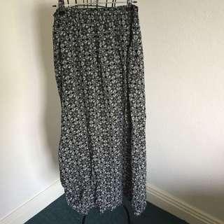 (10) Valleygirl maxi skirt