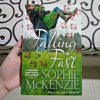 Falling Fast (Sophie Mckenzie) | Imported Novel/Novel Impor/Novel Inggris