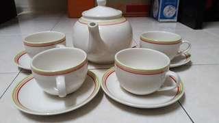 ‼️Reduced Price‼️      Claytan Tea Set