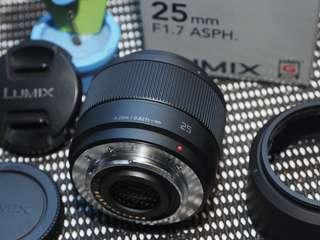Lensa fix Panasonic Lumix 25mm f1.7 fullset