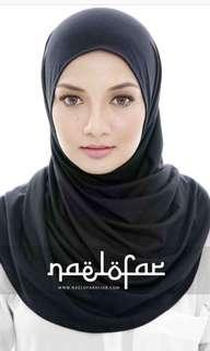 Naelofar babe and basic plain black semi instant