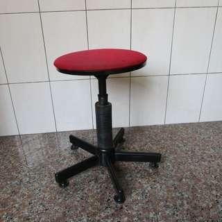 旋轉升降椅 (自取)