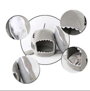 Pet shark house grey
