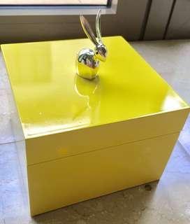 Premium Wolden light yellow SQ Box