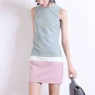 NM BEAUMONT COLOURBLOCK SHIFT DRESS IN DUSTY GREEN  size xs