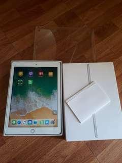 Ipad 5th gen 32gg with simslot