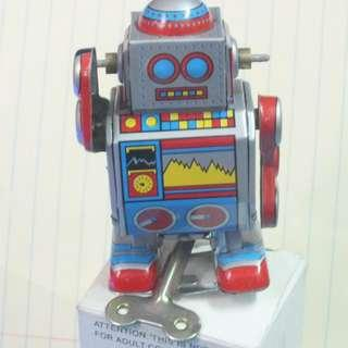 中古上鍊機器人金屬鐵皮制品HK50元