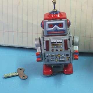 中古有天線鐵皮制機器人上鍊HK70元