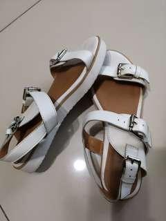 Preloved Hush Puppies sandals