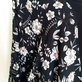 New item hitam bunga putih