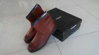 Sepatu Kulit Kasual Keren