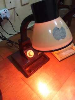 Lampu meja or lampu tido
