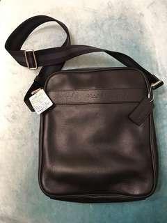 Coach 男裝𧴯袋,黑色。全新。未用過。