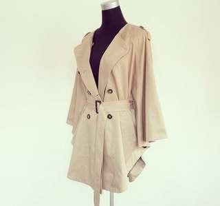 H&M Trench Coat 🧥