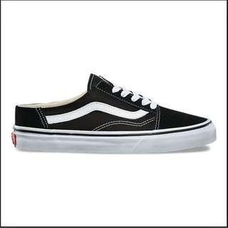 🚚 Vans Core Classic Old Skool Sneakers