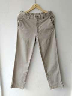 Uniqlo longpants khakis
