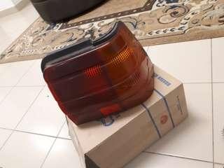 Lamp Tail (R) untuk Proton Iswara Aeroback 1.3M