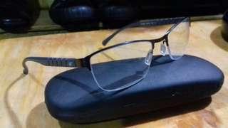 Kacamata merk Tooinch