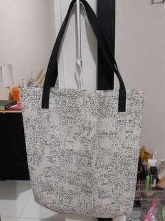 Augys Tote Bag by ZALORA