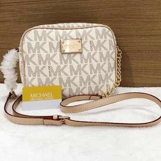 Michael Kors chainbag