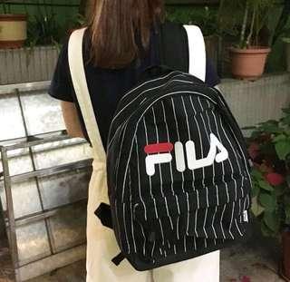 Fila黑白間backpack