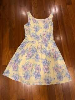 Floral dress cat walk close