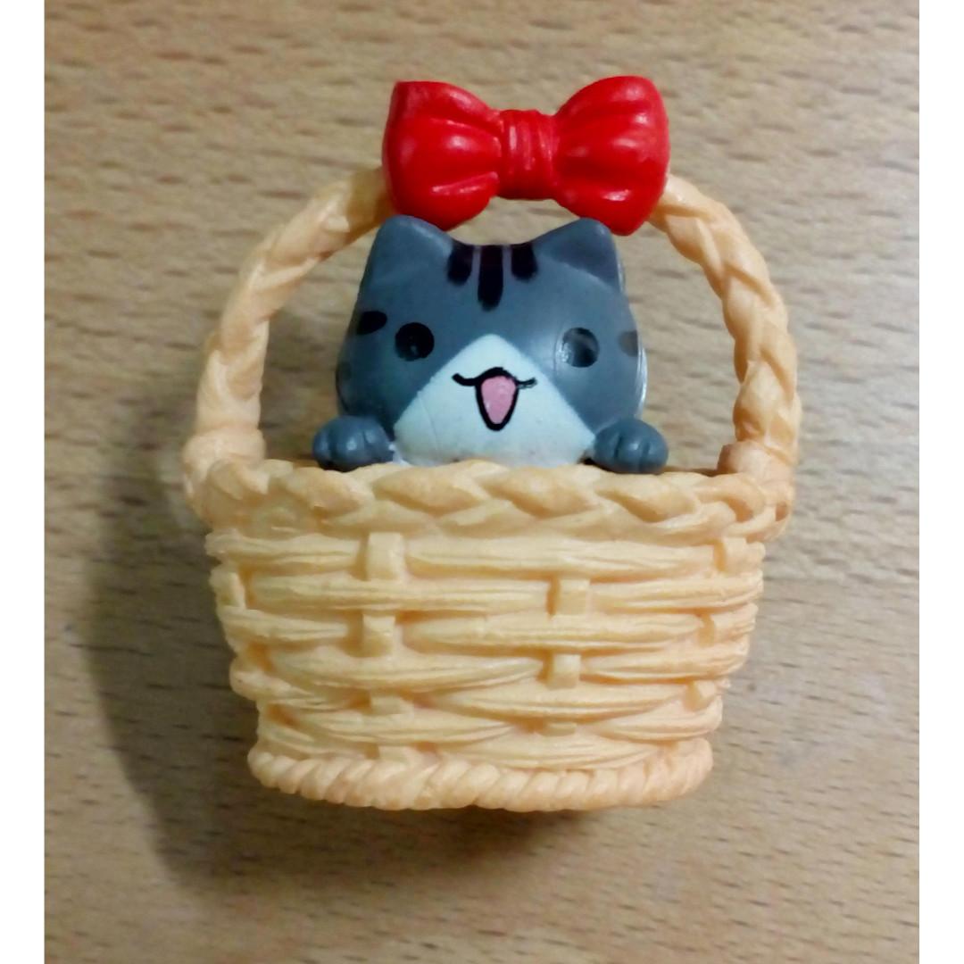 Adopt Me! Basket Kitty Fridge Magnet Beige (item code:ACCE18/040010-BE)