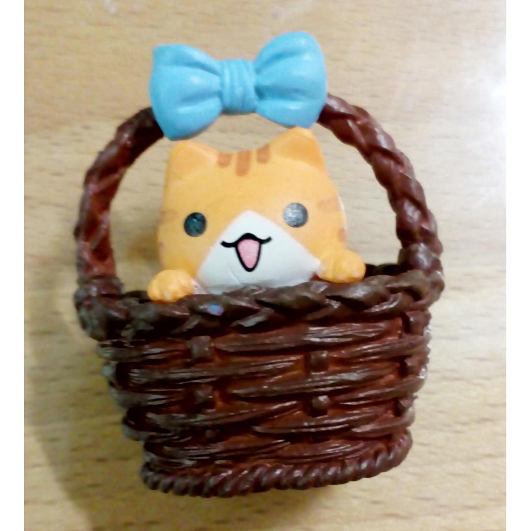 Adopt Me! Basket Kitty Fridge Magnet Dark Brown (item code:ACCE18/040010-DB)