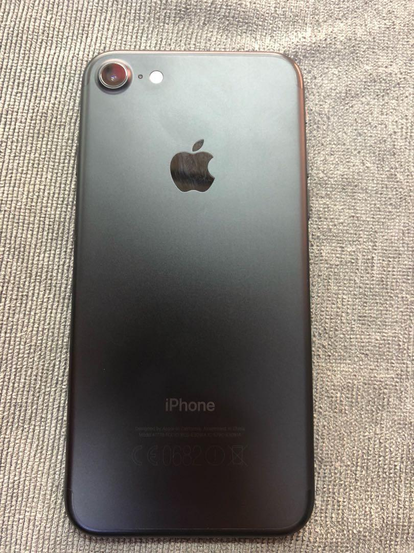 Apple iPhone 7 32gb black screen scratch only, Mobile Phones