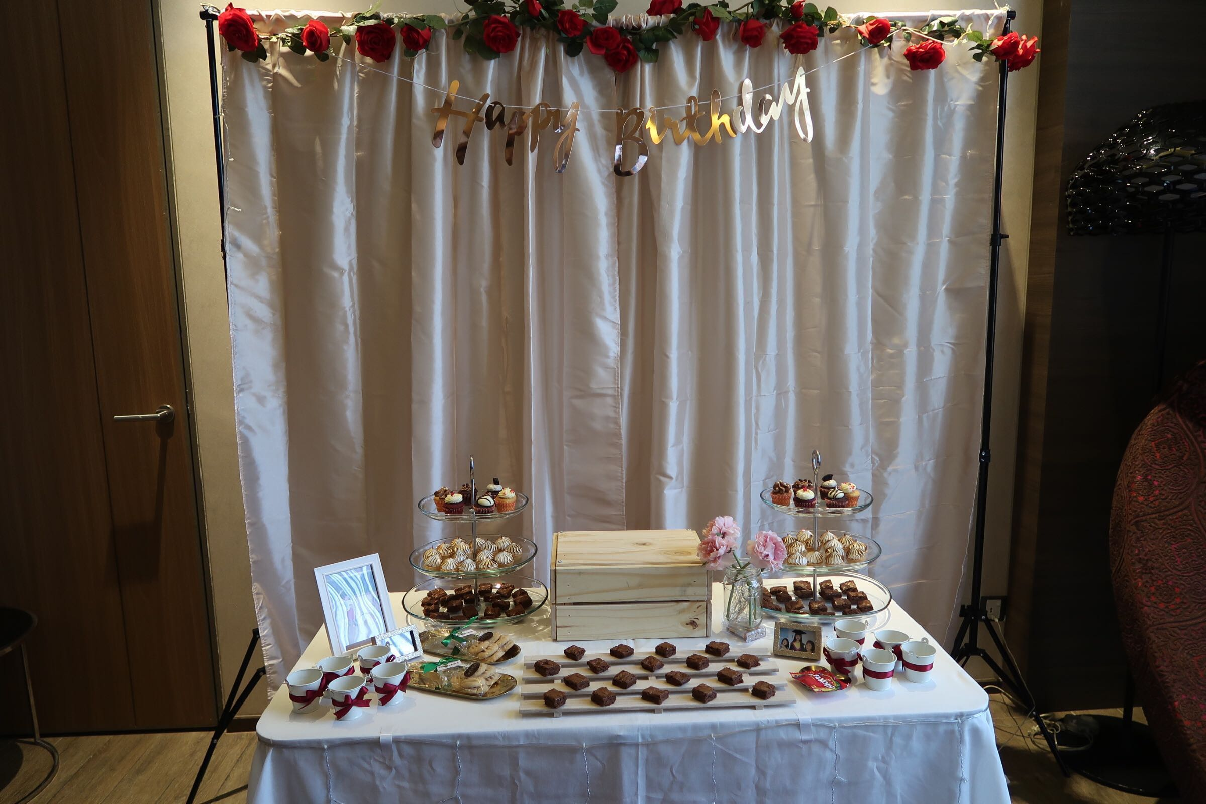 Backdrop Stand/Foldable Table Rental
