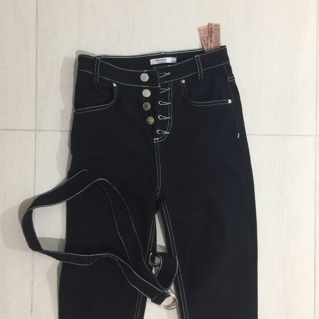 d1291bf9a69f Bershka High Waisted Black Outline Jeans, Women's Fashion, Clothes ...