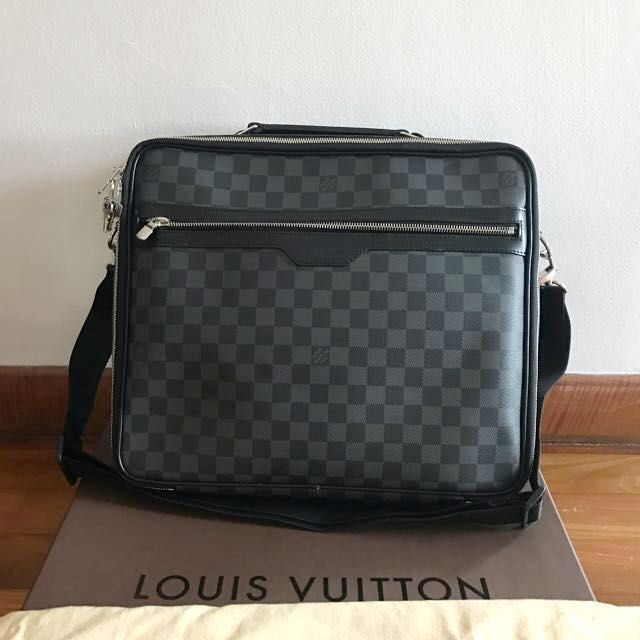 8dac80773ddb BN Authentic) Louis Vuitton N58030 Steeve Damier Graphite Laptop ...