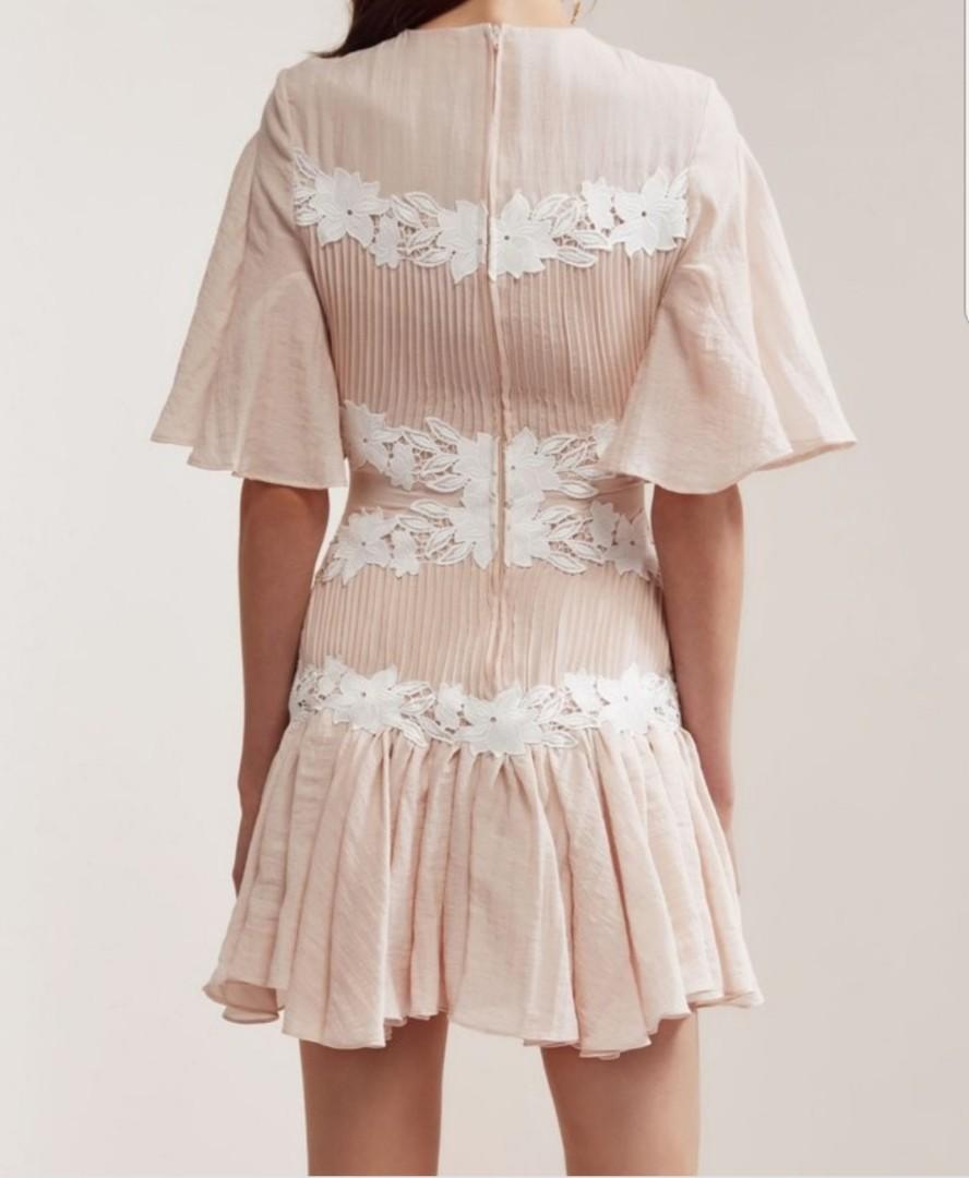 b85e9fee2b1f NEW Keepsake All Mine Mini Dress in shell/ blush, Women's Fashion, Clothes,  Dresses & Skirts on Carousell