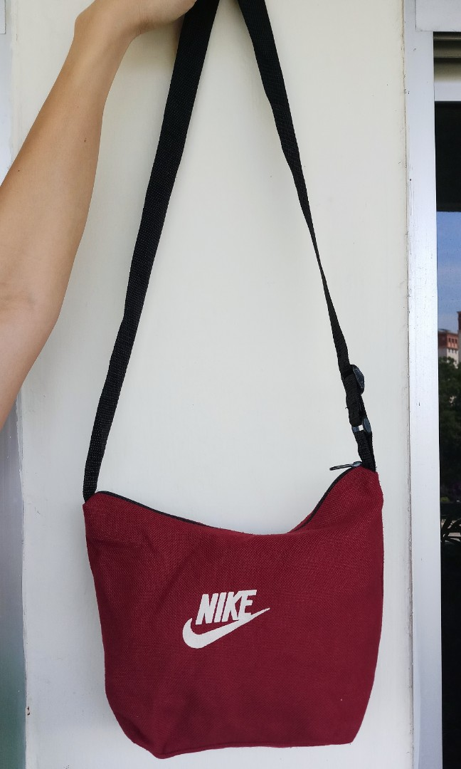 Nike maroon sling bag, Women s Fashion, Bags   Wallets, Sling Bags ... 50292721d4