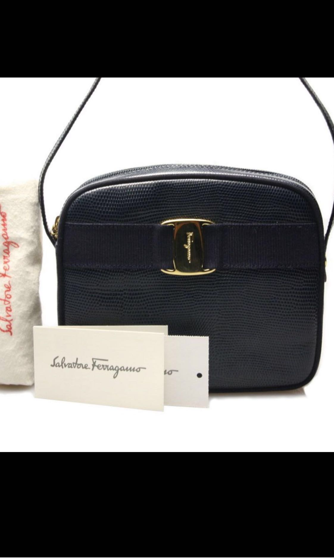 4de6bc9bd Vintage Ferragamo Vara Sling Crossbody Shoulder bag in Black ...