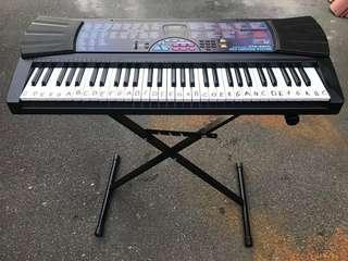 Casio CTK-560L Piano Keyboard with stand