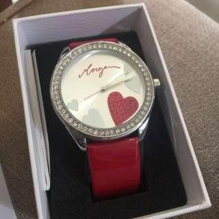 (二手商品)Morgan手錶—愛心鑲鑽手錶 購於機上 戴過幾次