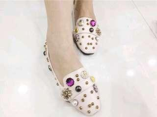 FASHION NEW FLAT SHOES