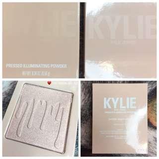💛 KYLIE COSMETICS Pressed Illuminating Powder - Cotton Candy Cream