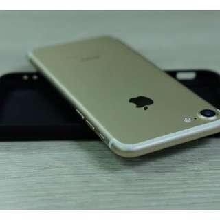 iPhone 7 128gb Gold Openline & Complete set with box.