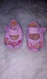 GRATIS Sepatu bayi