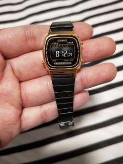 Casio small oxidise strap watch