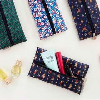 🇰🇷韓國正版 (Y019068) Ardium 中部拉鏈收納筆袋化妝袋Middle Zipper Pouch