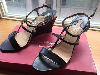 🚚 只要經典與高雅Ferragamo 黑色涼鞋