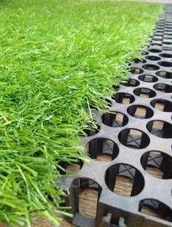Sedia Drainase Cell, Untuk Alas Pemasangan Rumput Sintetis Dan Lapisan Tanah Rumput Hidup