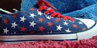 Repriced! Star pattern sneakers