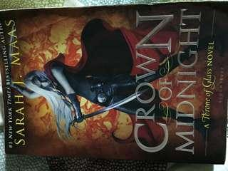 Crown of midnight by SJM- softcover in good condition