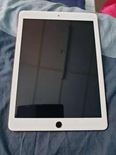 iPad 6th generation 32gb wifi + cellular